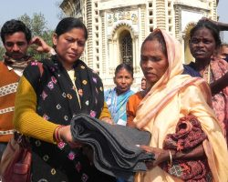 blanket-donation-by-ngo-in-bankura